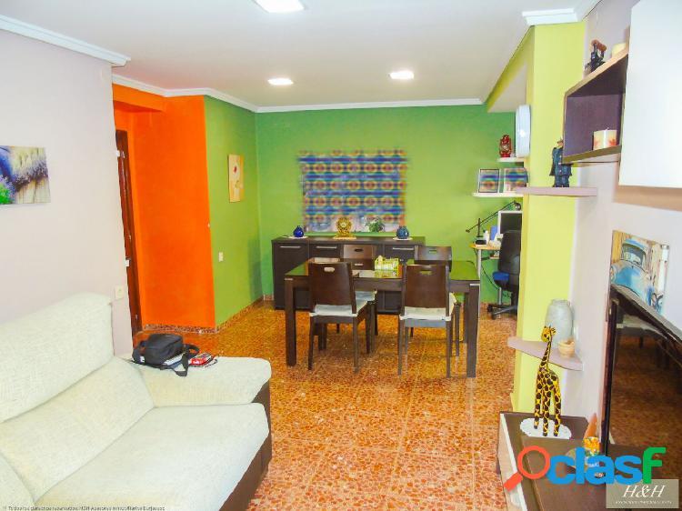 Se vende piso reformado en Valencia. / HH Asesores,