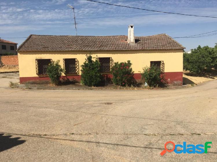 Urbis te ofrece una parcela en Parada de Arriba, Salamanca.