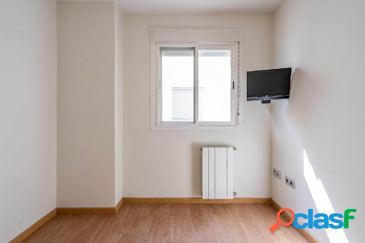 Bonito piso en Atarfe, situado en muy buena zona.