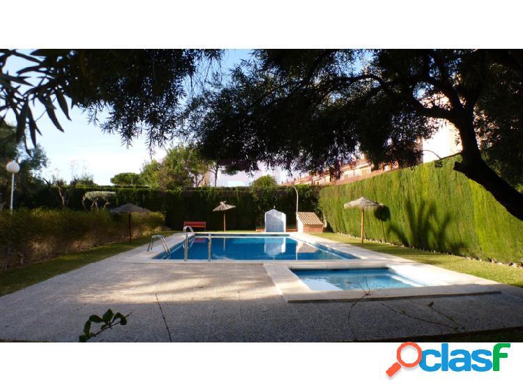 Encantador adosado en San Juan, Alicante. Vivienda en 2