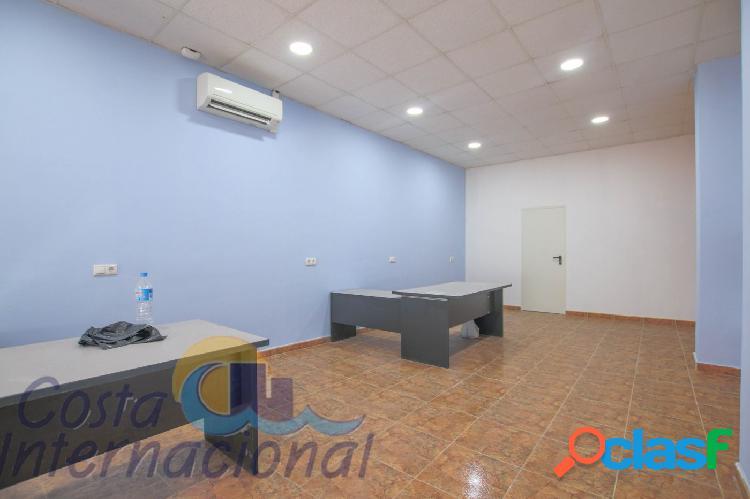 Local comercial de 113 m2 en la zona de la Playa del Cura