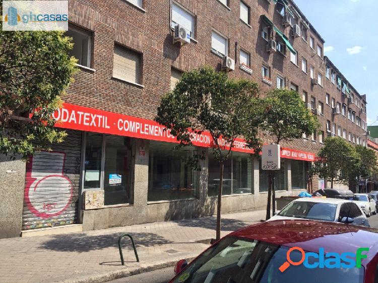 Local en venta y alquiler en la calle Bravo Murillo, Madrid