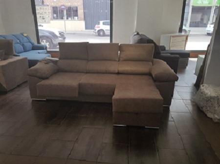 Sofá chaiselongue 2,50 m. con arcón asientos extraíbles