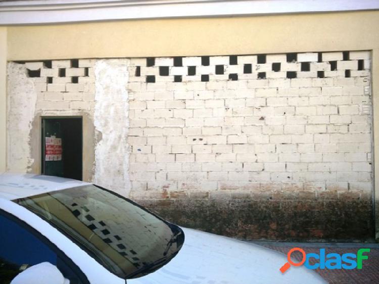 Local Comercial en Bruto en Urbanización Guadiana en