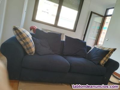 Sofá azul marino de tela, diseño.