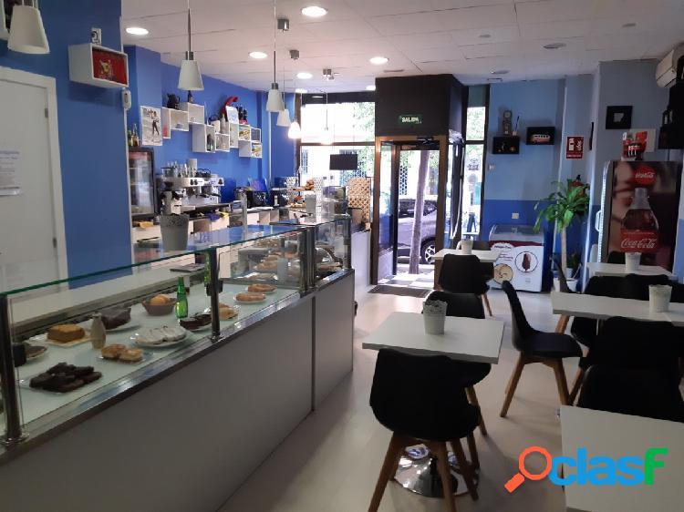 Traspaso cafetería panadería con salida de humos zona