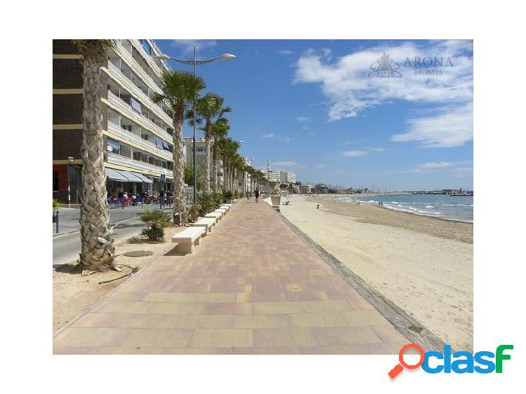 #1438 El piso reformado en primera linea de la playa en
