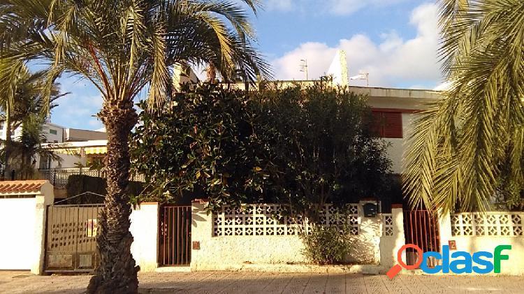 Duplex en segunda linea de playa de Bahía