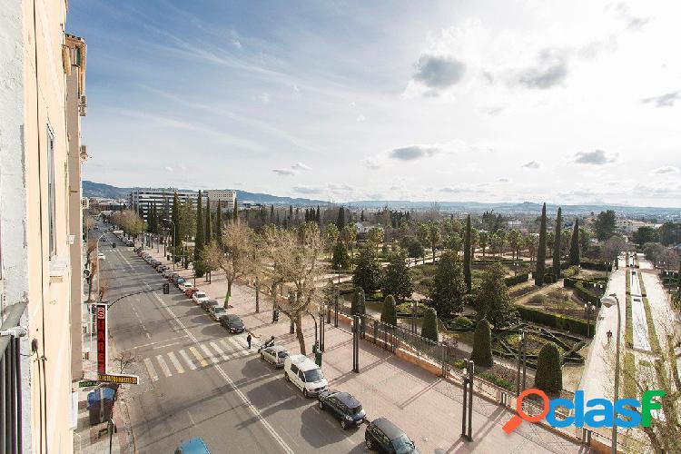 Piso con espectaculares vistas al parque García Lorca.
