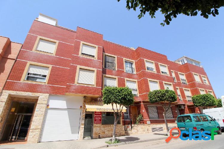 Piso de 3 dormitorios con plaza de garaje en Ejido Norte