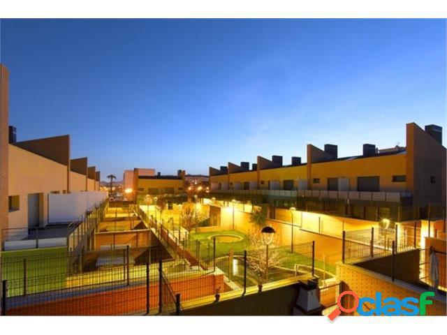 Preciosa casa adosada en venta. Vilafranca del Penedes.