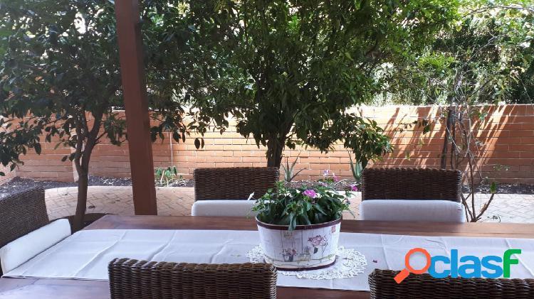 Preciosa planta baja con 2 terrazas y jardín en PAU 1 Papa