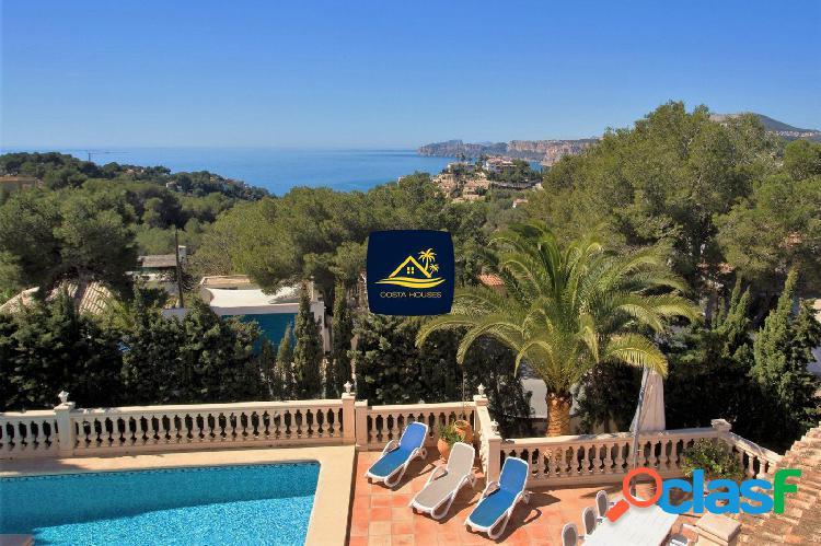Renovada Villa en venta con Vistas al Mar en Javea · BAM |