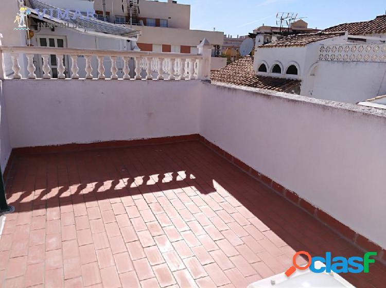 Ático en Roquetas de Mar zona Puerto con piscina y cerca de