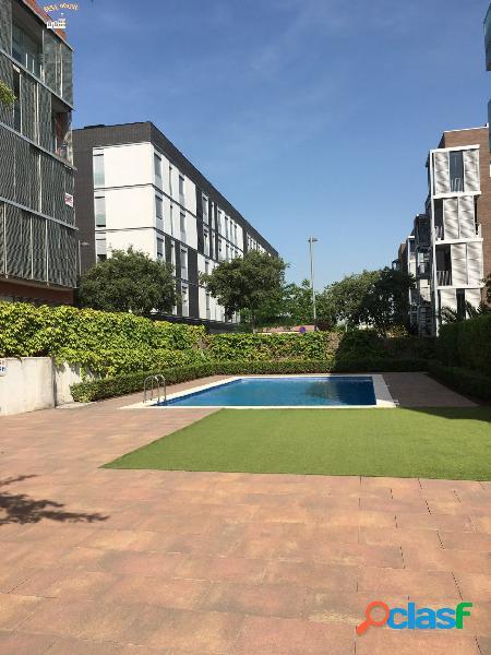 Magnifico piso 2 hab, piscina y parking en Volpelleres