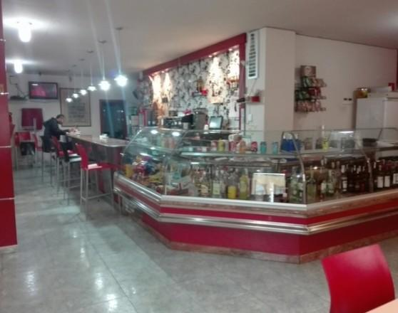 MAGNIFICA CAFETERIA BAR EN MURO ALCOY
