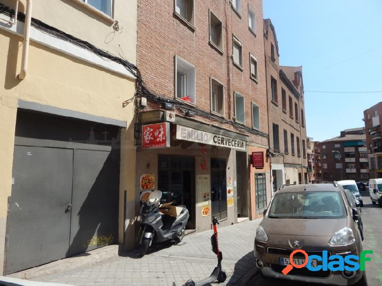 Se vende bar con salida de humos en la Glorieta de Francos