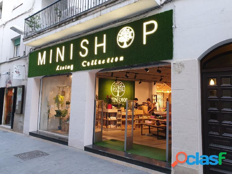 Local en venta o alquiler en calle Jesús de Sitges