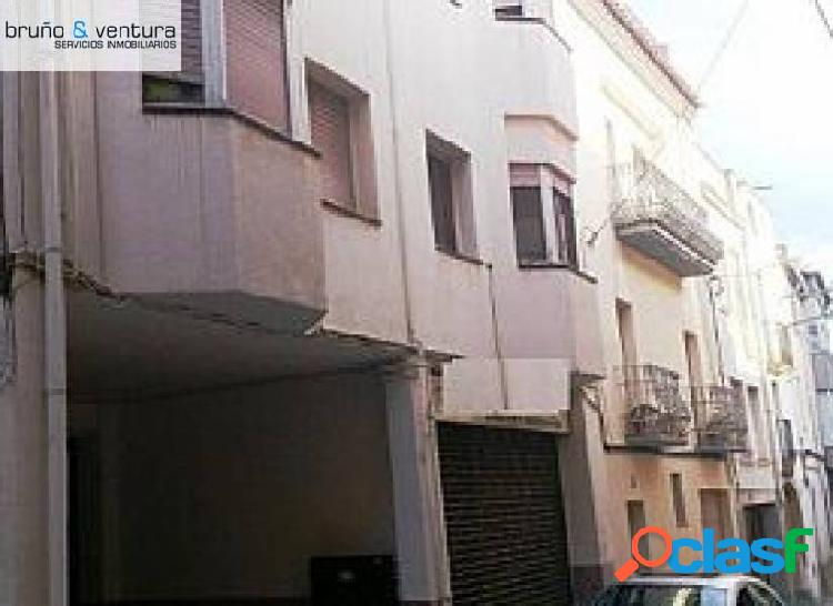 EN VENTA LOCAL COMERCIAL EN EL VENDRELL ZONA CENTRO