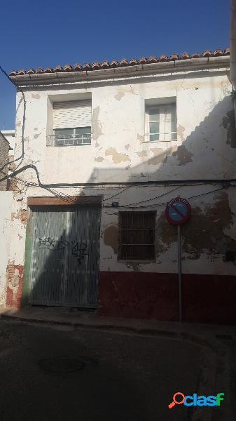 CASA DE PUEBLO EN LA MEJOR ZONA DE TORRENT