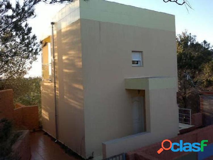 Casa independiente de 2 alturas y sótano en Almiserat
