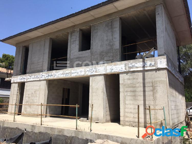Solar con edificación en Mal Pas