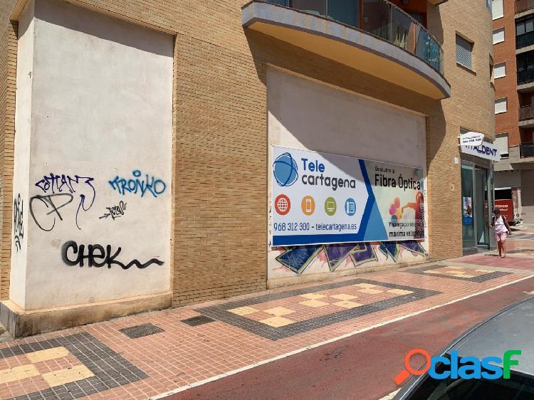 Venta, local comercial en Ramón y Cajal