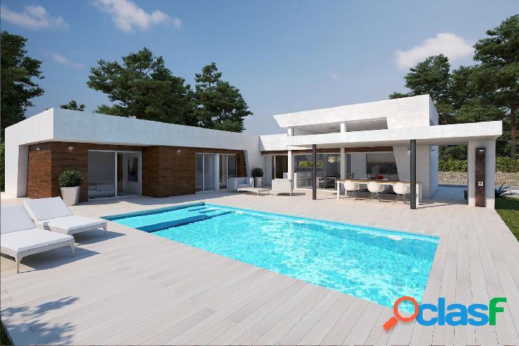 Villa moderna de nueva construcción de una sola planta a la