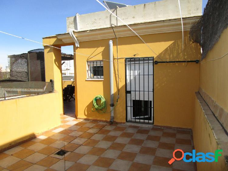 Ático Duplex de 5 dormitorios, garaje y trastero en pleno