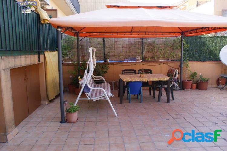 Bonita planta baja, 3 hab, terraza, parking y trastero