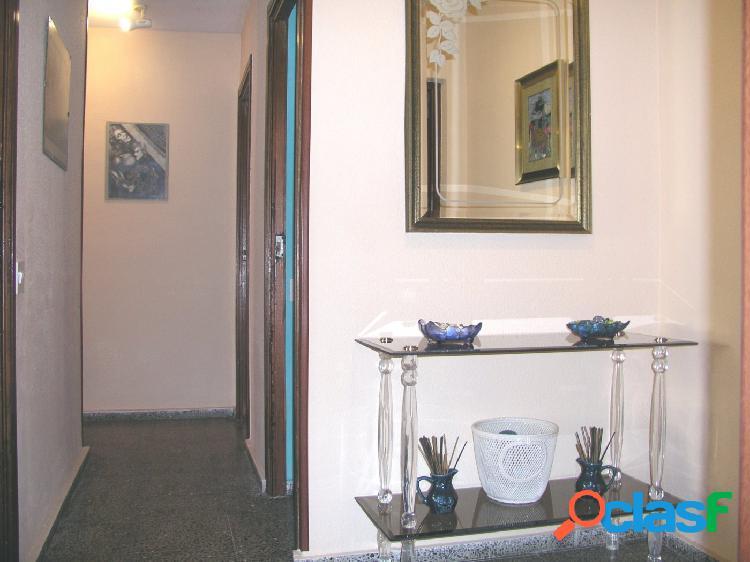 Piso de 3 habitaciones sin ascensor en Juan XXIII, Alicante