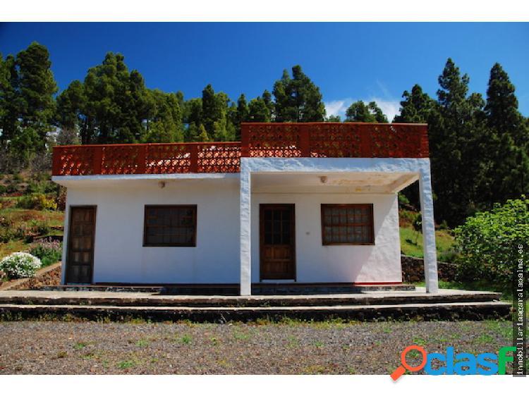 Venta de casa con terreno en Puntagorda