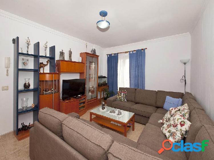 Piso en venta de 112 m² en Calle Tomás Morales, 35110