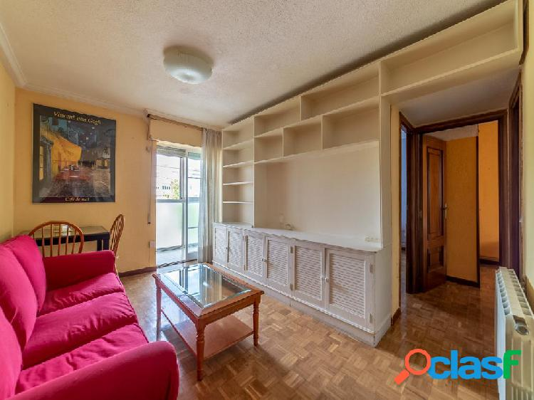 Piso en venta de 61 m² Calle Navalmoral de la Mata, 28044