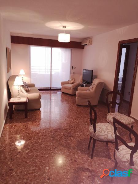 Alquiler de vivienda en pleno centro de Alicante con garaje