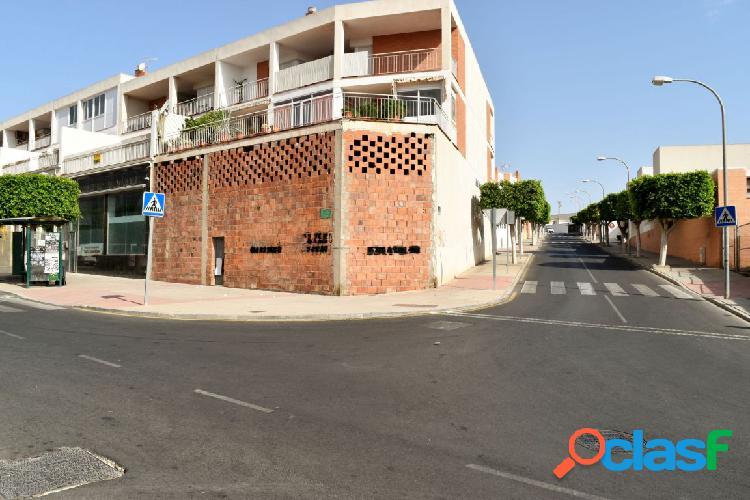 Local comercial en basto, en Huércal de Almería