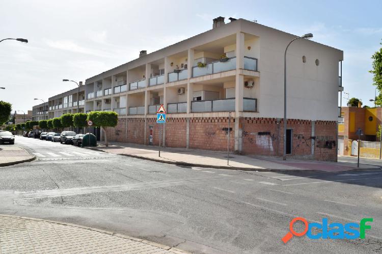 Local en basto en Huércal de Almería