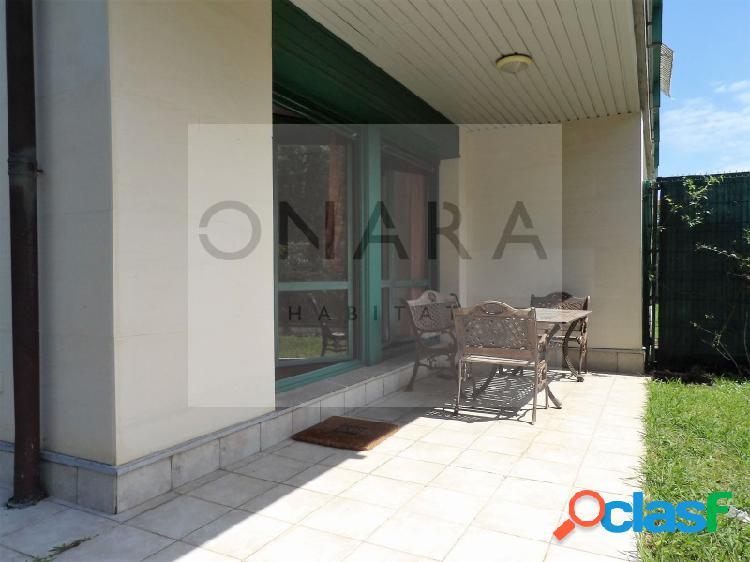 Precioso, amplio y luminoso piso en urbanización con