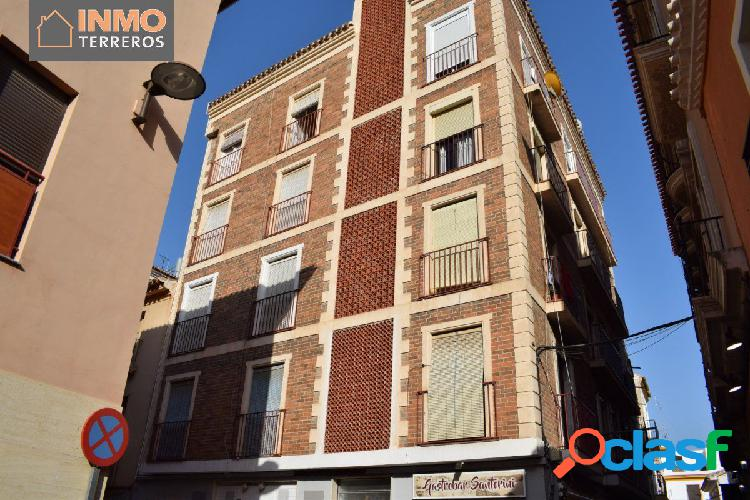 Piso de 3 dormitorios, situado en el centro de Lorca