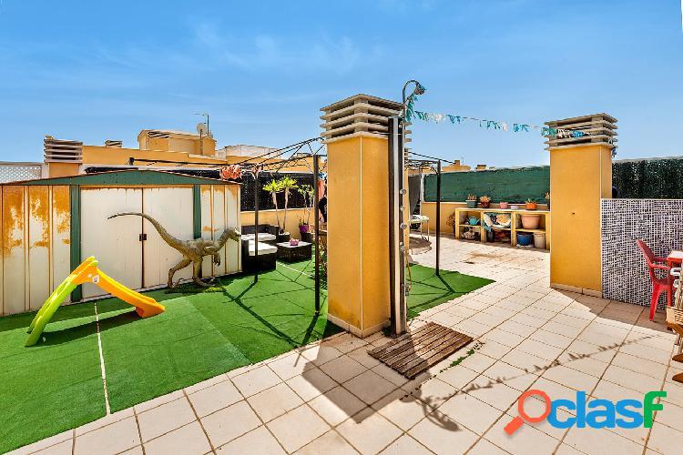 Se vende ático con terraza en Coll d´en Rabassa