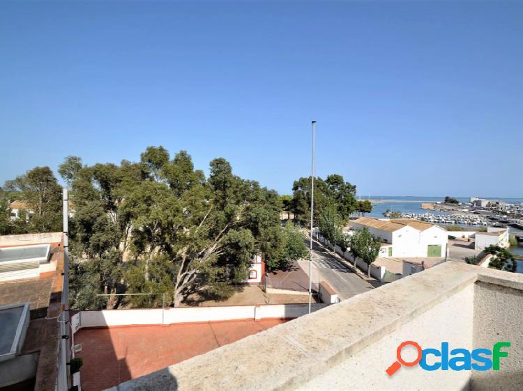 Atico-Duplex de 3 habitaciones situado en la zona de Horta
