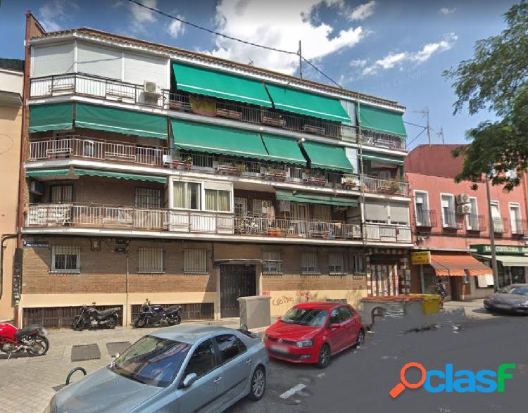 ESTUPENDA VIVIENDA EN VENTA CERCA DE MADRID RIO