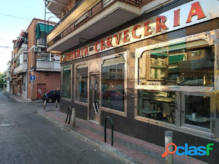 """""""Se vende Bar Cafeteria en barrio de Opan;el (Carabanchel)"""
