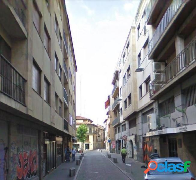 Se vende local comercial en zona Centro, Salamanca.