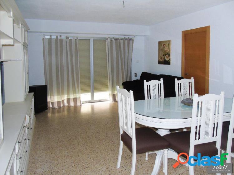 Se vende magnifico piso de 3 habitaciones //H H Asesores,