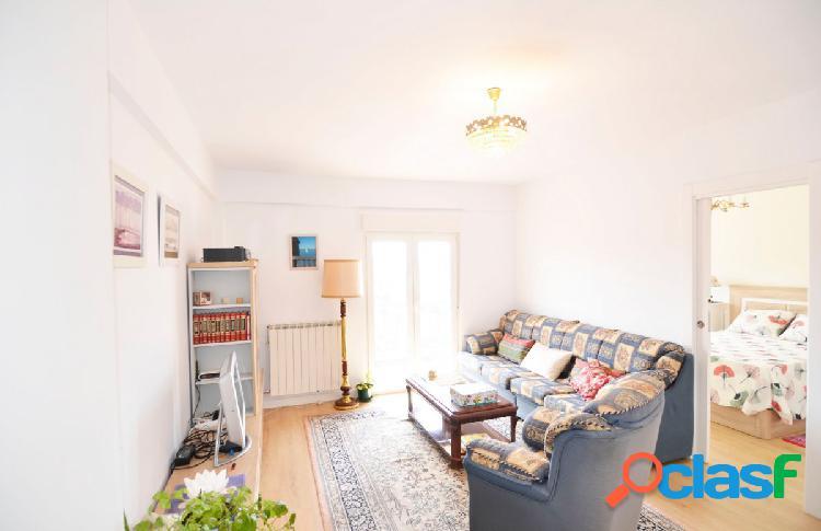 Urbis te ofrece un maravilloso piso en zona Garrido Sur,