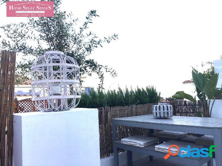 Ático con terraza y amueblado, en Sitges