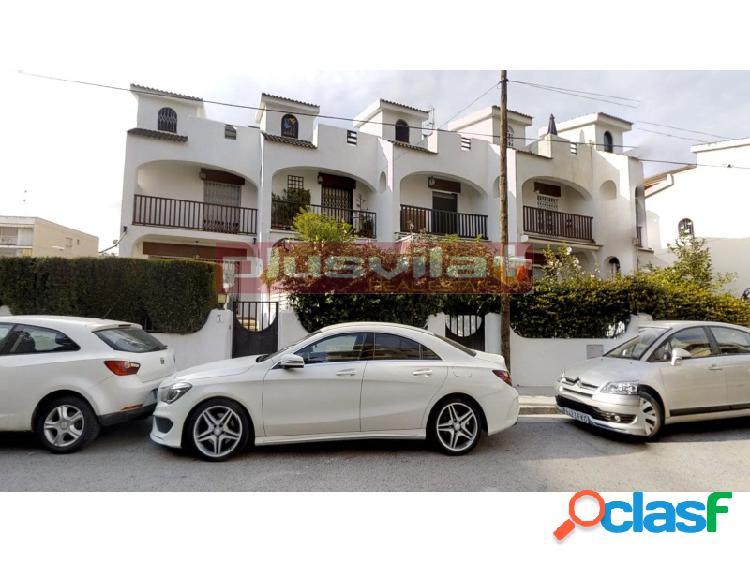 Casa adosada en venta Cunit Playa, Cunit, Tarragona.