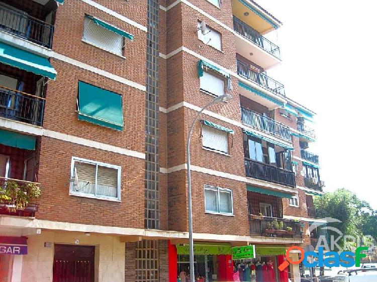 Piso de 4 dormitorios con terraza en Palomarejos, Toledo