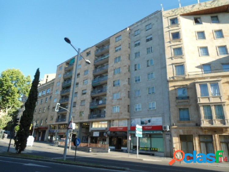 Urbis te ofrece un estupendo piso en venta en Plaza España,